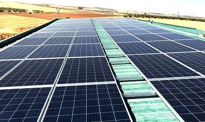 Planta fotovoltaica de Azul y Verde en Villanueva de la Serna