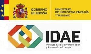 Logotipo del MINETAD y el IDAE